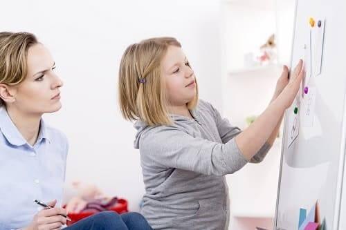 Индивидуальное занятие с ребенком при ММД