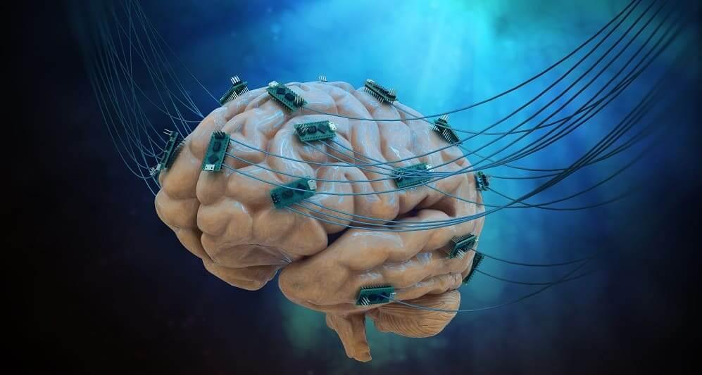 Схема мозга с дополнительными чипами