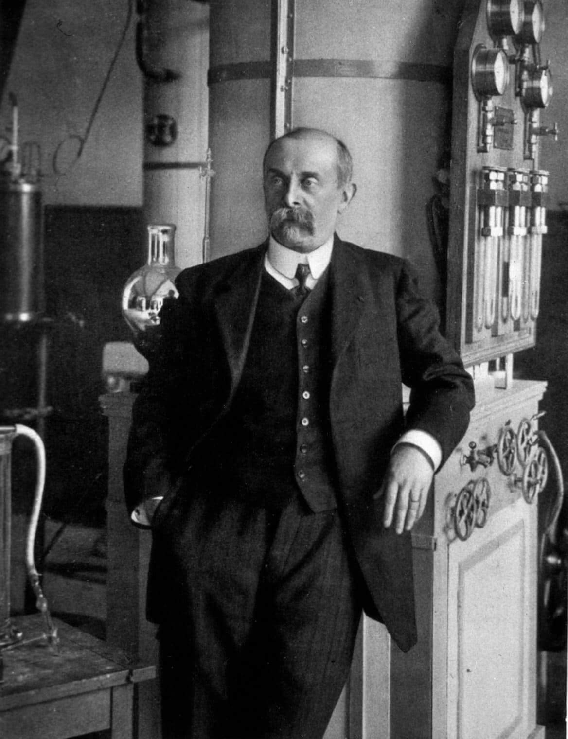 А. д'Арсонваль - французский физик и физиолог