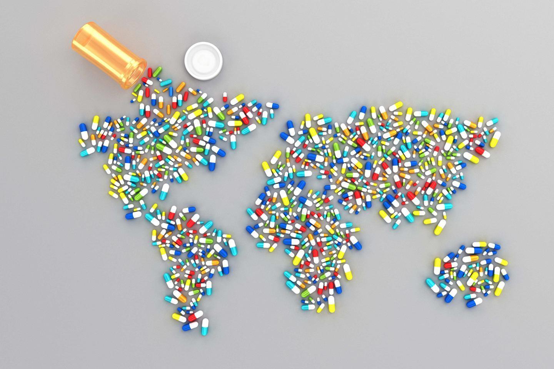 форма материков выложена капсулами лекарств