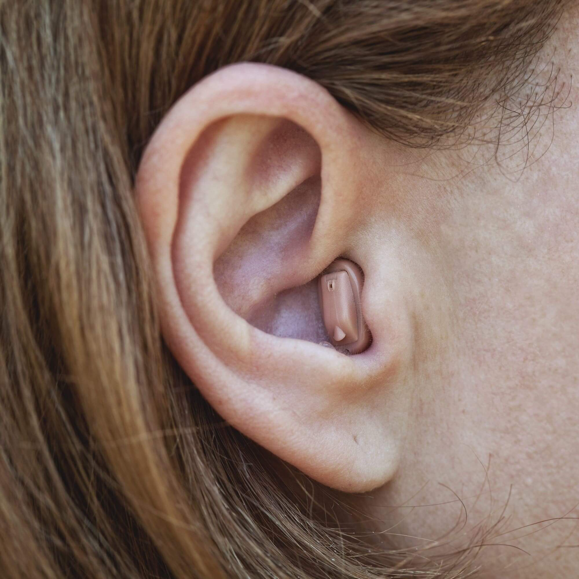 Слуховой аппарат внутриушной