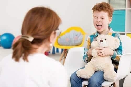 Кричащий ребенок с СДВГ