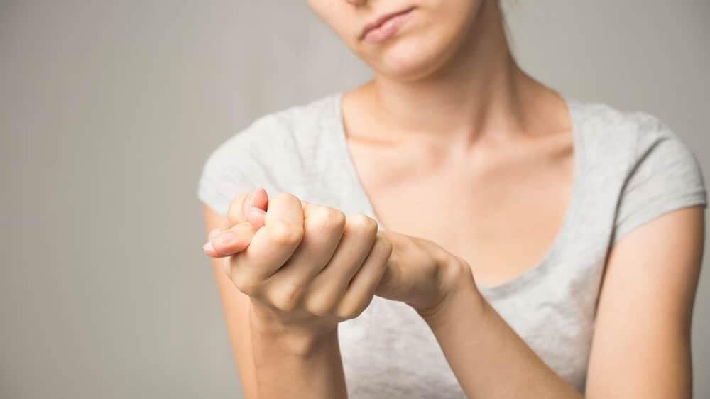Симптомы Паркинсона у молодых – тремор