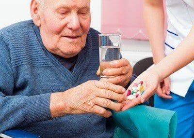 Пожилые люди часто страдают болезнью Паркинсона