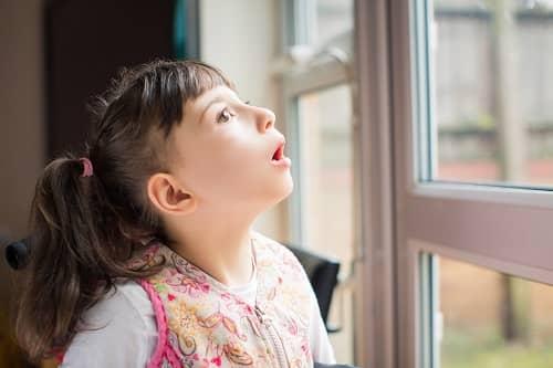 Малый приступ эпилепсии ребенок замер на минуту