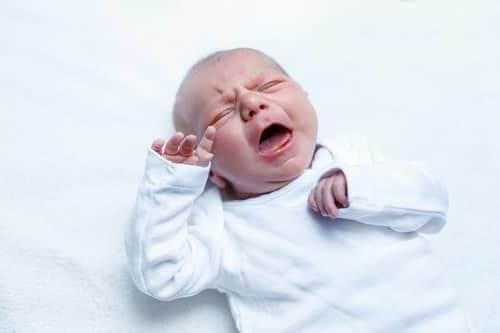 Младенец много плачет - возможный признак эпилепсии