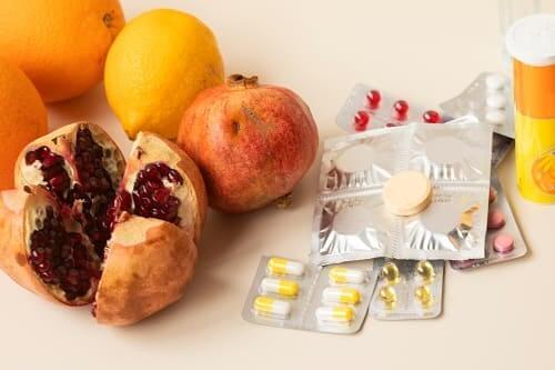 Гранат полезен при мигрени, но не заменит таблетки