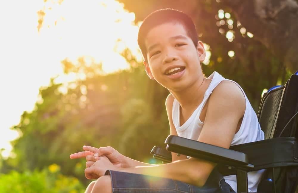 Ребенок инвалид с ЗПР в коляске