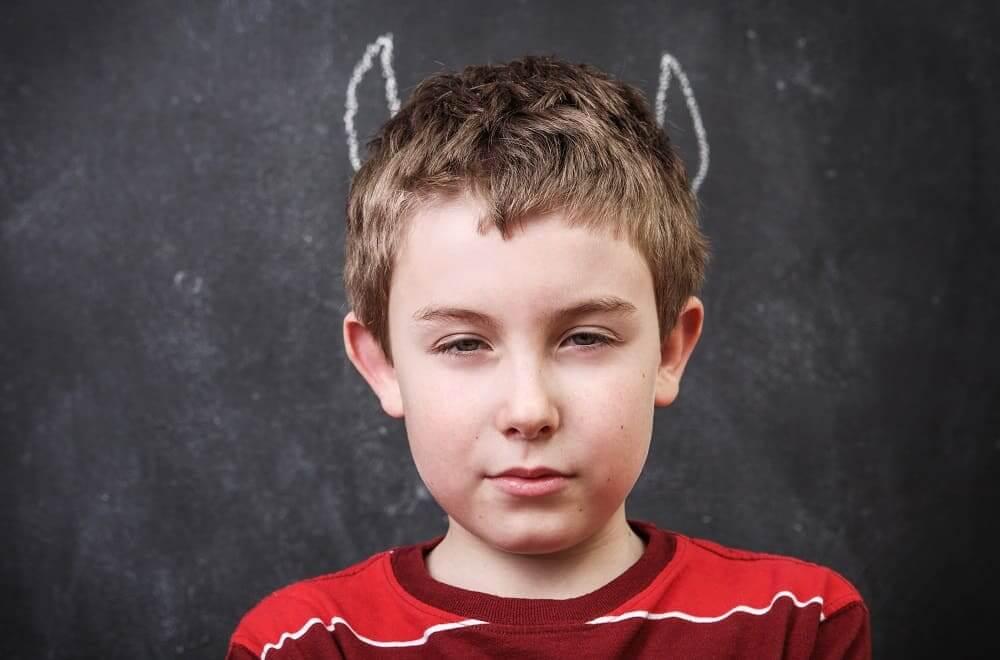 Мальчик с гиперактивностью как чертенок