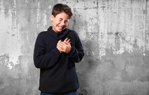 Ребенок с болью в области сердца