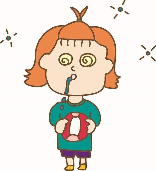Завсиший ребенок в приступе абсансной эпилепсии