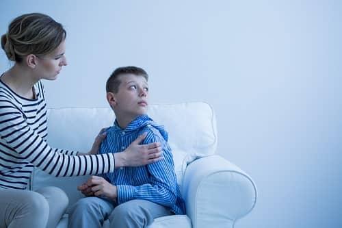Ребенок с аутимом не смотрит в глаза