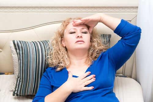 Женщина с шумом в ушах и болью в сердце