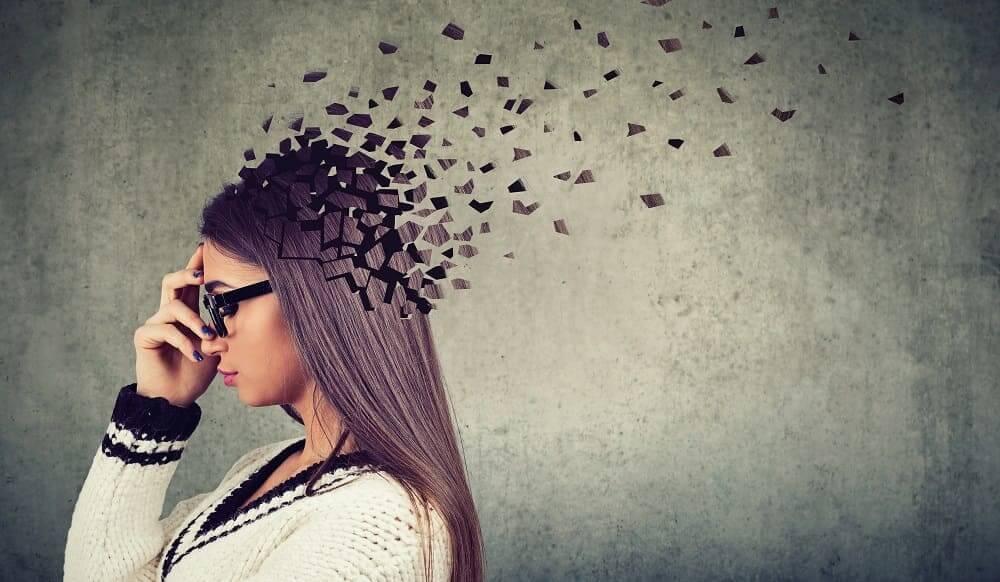 Первые признаки альцгеймера у взрослых женщин