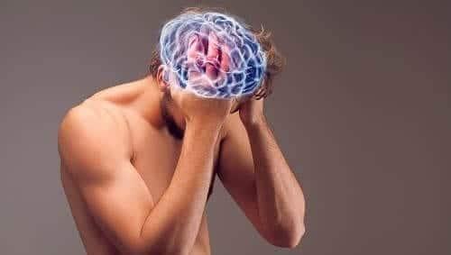 Сильная пульсирующая боль в голове