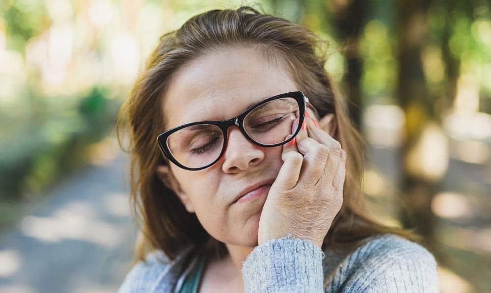 Невралгия – показание для массажа лицевого нерва