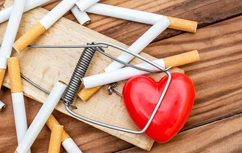 Вредные привычки провоцируют ВСД и боль в сердце