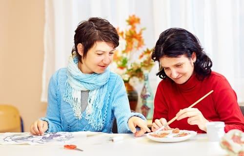 Уход за взрослой женщиной с аутизмом продлевает активность