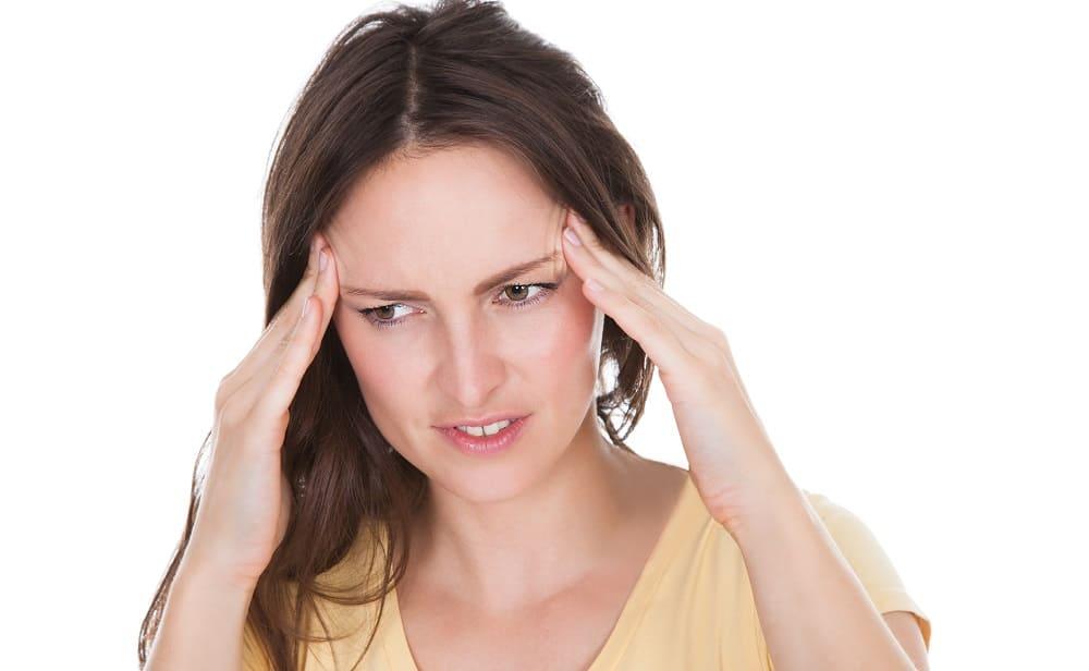 Приступ боли в висках с тошнотой