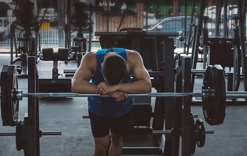 Приступ головной боли вызывает мышечная перегрузка