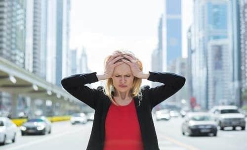Приступ головной боли вызывает окружающий шум