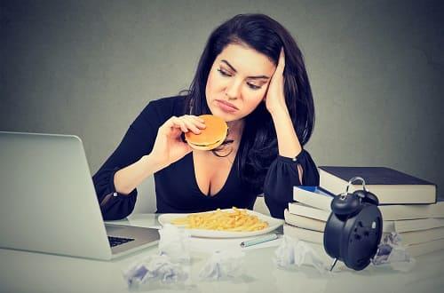 Нездоровый образ жизни провоцирует ВСД при климаксе