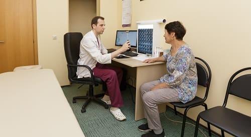 Осмотр невролога при головной боли
