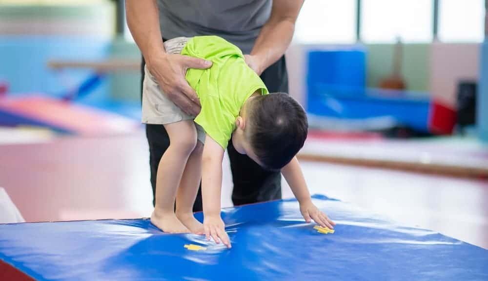 Занятия ЛФК с малышом