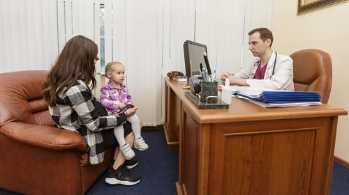 Опрос невролога в клинике