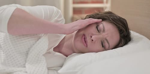 Боль в левом виске укладывает в постель