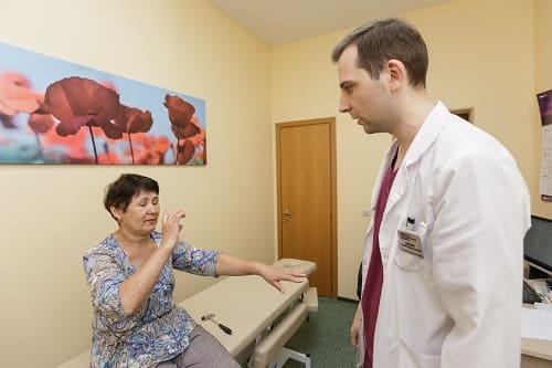 Осмотр пациента при слабости и головокружении