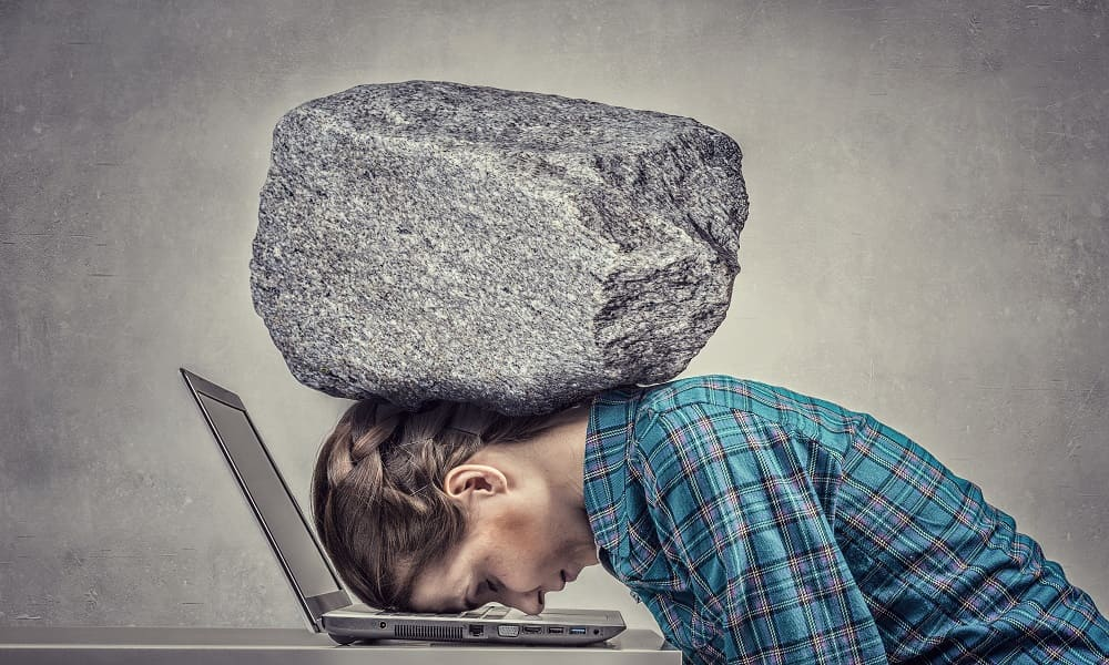 Головная боль напряжения давит камнем