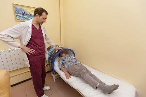 Лечение головной боли у женщины турботрон