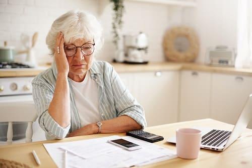 Стресс бывает причиной бессонницы у пожилых