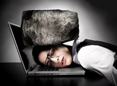Боль камнем давит на голову