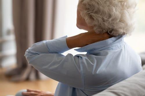 Боль в шее и головокружение при остеохондрозе