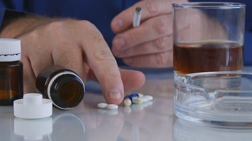 Алкоголь и сигареты причины головной боли