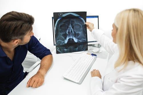 Диагностика причин головных болей у мужчины