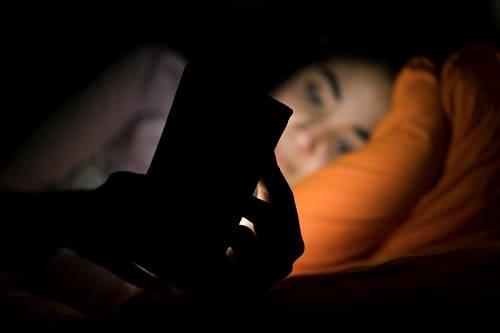 Экраны гаджетов причина плохого сна