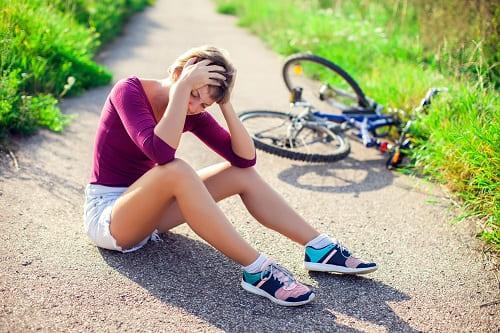 Травмы – причина боли в затылке и висках