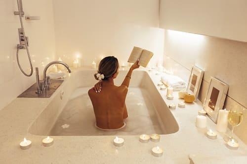 Ванна и книга настроят на сон